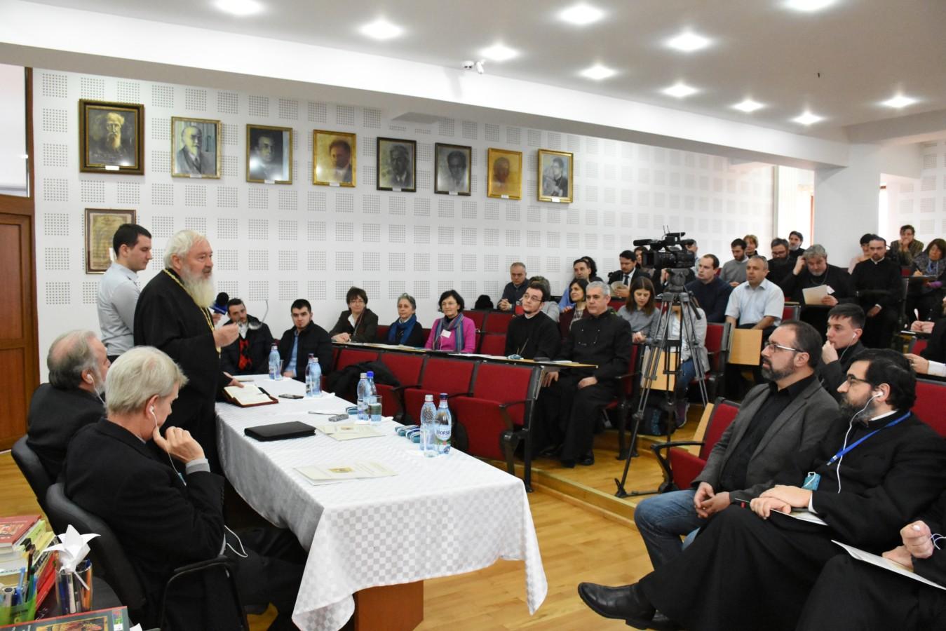 """Simpozion Internațional """"Treime, Biserică, Societate"""", la Facultatea de Teologie Ortodoxă din Cluj"""