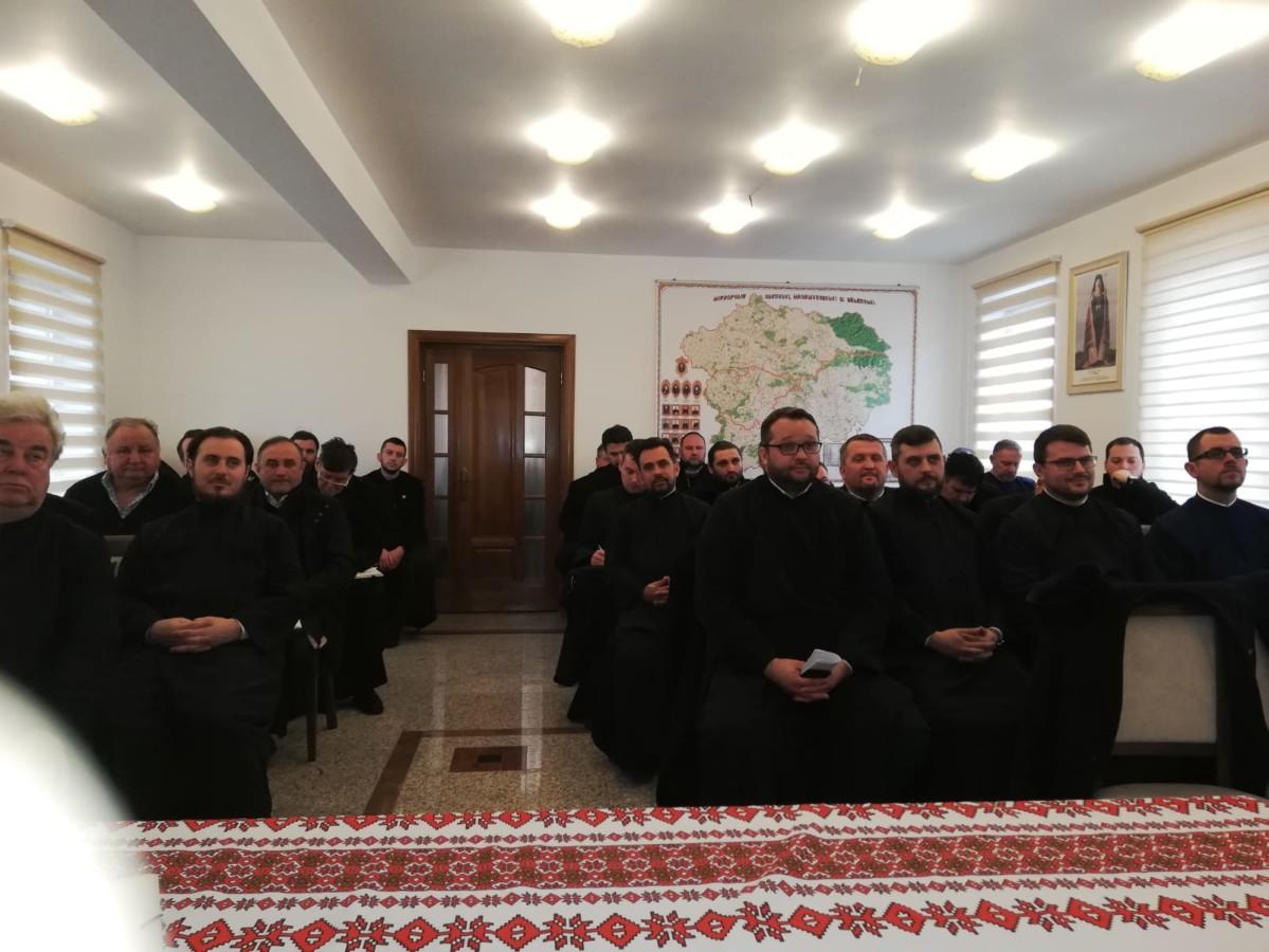 Poetul Emil Giurgiuca, evocat în cadrul ședinței preoțești lunare a clericilor din Protopopiatul Ortodox Gherla