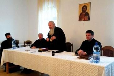 """Cursuri de îndrumare duhovnicească, la Mănăstirea """"Sfinţii Apostoli Petru şi Pavel"""", Parva"""