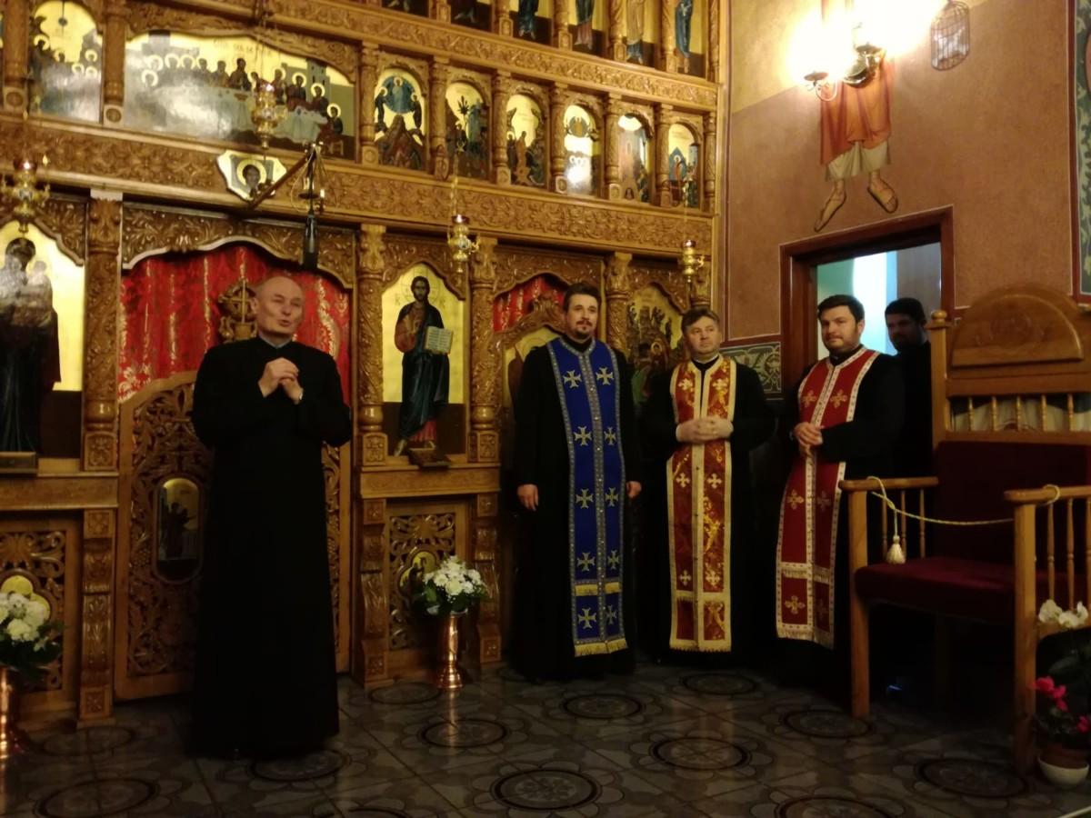 """Taina Sfântului Maslu, în parohia clujeană """"Nașterea Domnului"""""""
