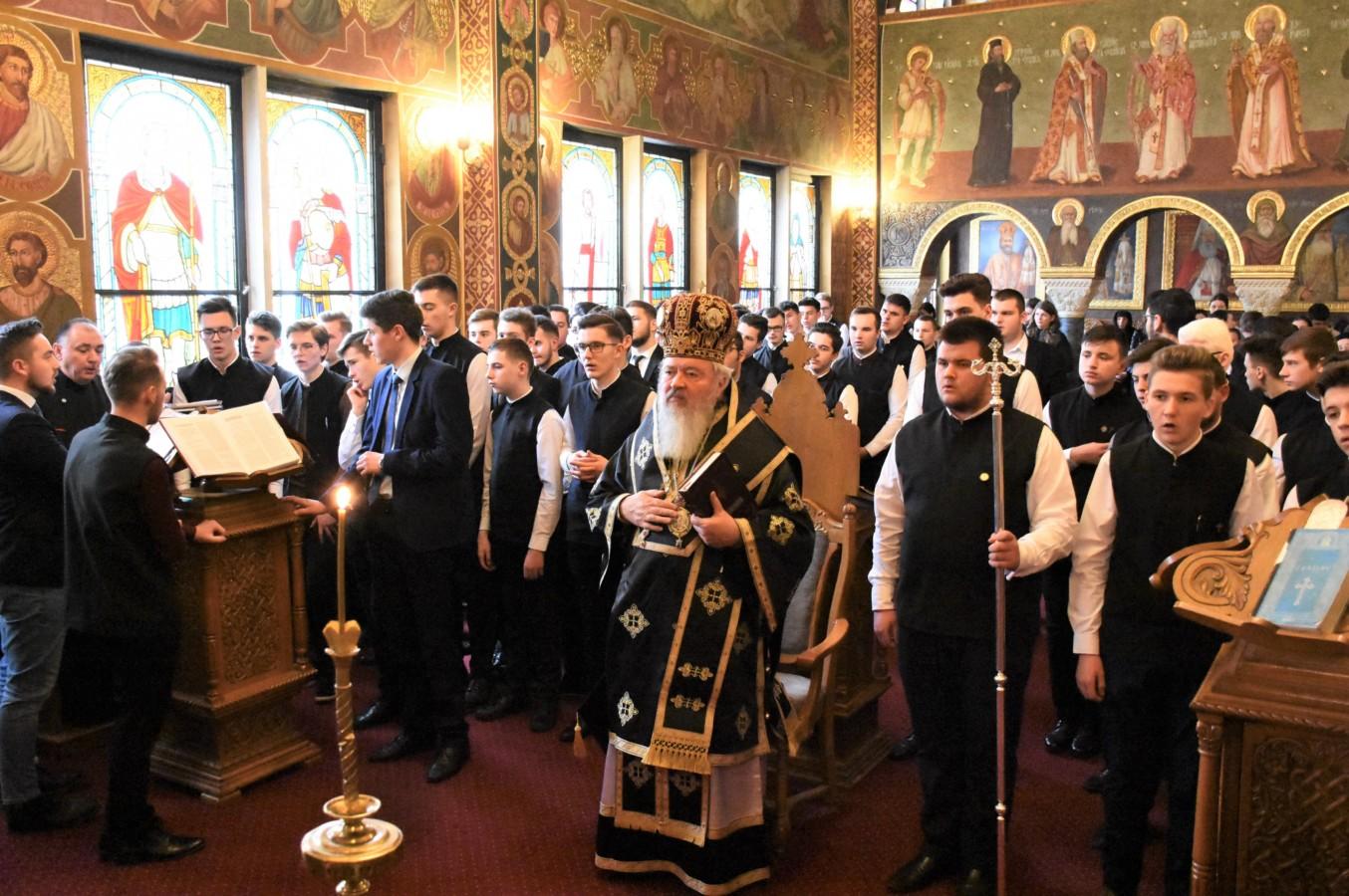 Binecuvântare arhierească pentru elevii seminariști clujeni, la începutul Postului Mare