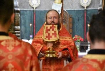 """Sfânta și Marea Joi – Protos. Simeon Pintea: """"Euharistia este darul pe care ni-l face Hristos, înainte de Patimile Sale"""""""