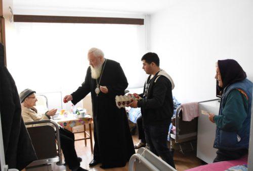 Părintele Mitropolit Andrei i-a vizitat pe bătrânii din Centrele sociale ale Arhiepiscopiei Clujului