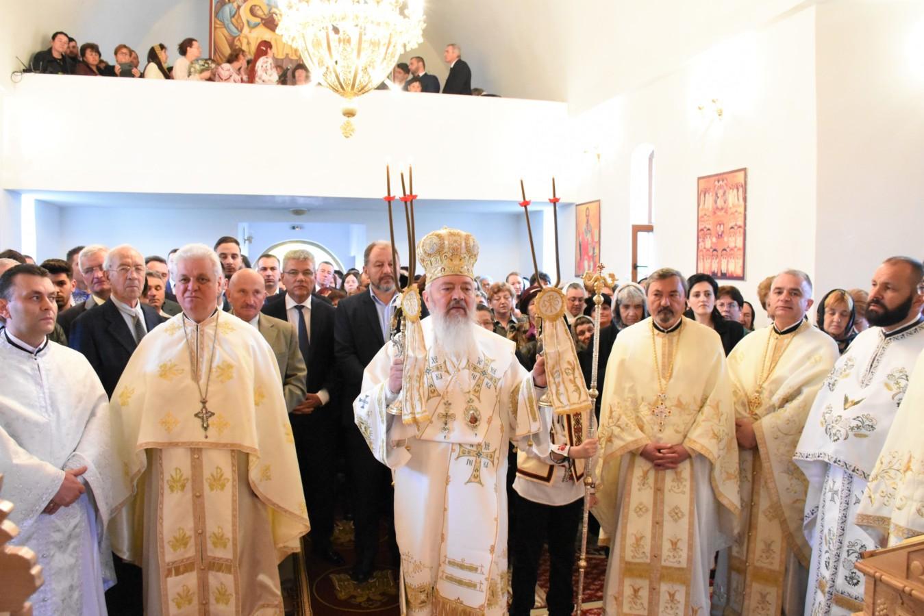 Mitropolitul Andrei, în mijlocul bistrițenilor, în a doua zi de Paști