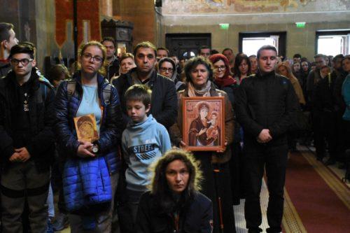 Pelerinajul tinerilor pe jos de la Iclod la Mănăstirea Nicula, la a IX-a ediție