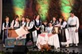 """Spectacol folcloric ,,Reîntoarcerea la tradiții"""", cu prilejul """"Anului omagial al satului românesc"""" și împlinirii a 20 de ani de la înființarea Radio Renașterea"""