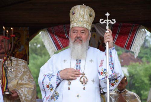 Mitropolitul Andrei, la hramul Bisericii din satul natal