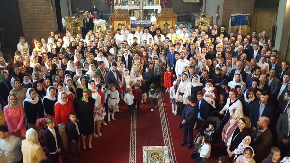 """Bucurie duhovnicească în Parohia """"Sfinții Trei Ierarhi"""" din Romainville, Paris, Franța"""