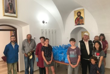 Zeci de pachete, oferite bistrițenilor de Filantropia Ortodoxă