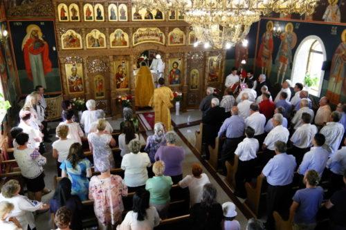 """Parohia """"Sfântul Ioan Botezătorul"""" din cartierul clujean Borhanci, în sărbătoare"""