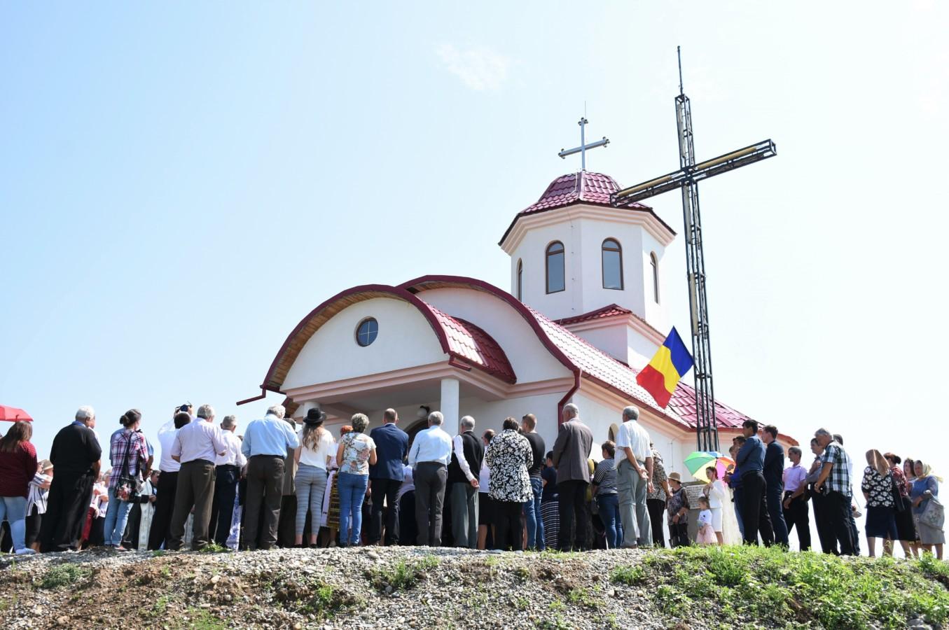 Mitropolitul Clujului a binecuvântat Capela mortuară și Centrul Cultural Muzeistic din Cristeștii Ciceului