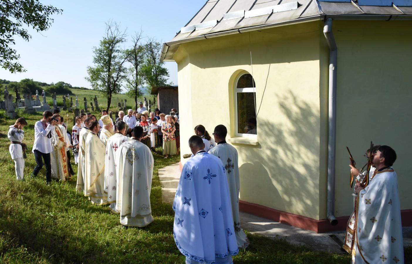 Mitropolitul Andrei a resfințit Biserica din Tiocu de Sus, la 125 de ani de la edificare