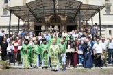 Duminica Rusaliilor, la Catedrala Mitropolitană din Cluj-Napoca. ÎPS Andrei a premiat elevii participanți la două concursuri naționale