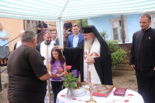 ÎPS Andrei a sfințit o casă ridicată cu sprijinul enoriașilor din Mociu