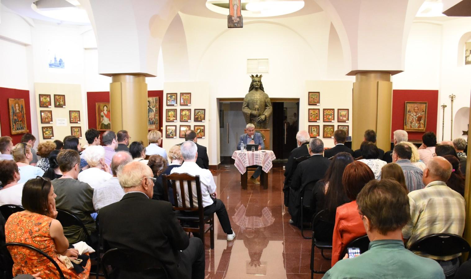 """Teodor Baconschi le-a vorbit clujenilor despre """"Provocările misiunii creștine în lumea secularizată"""" , la Muzeul Mitropoliei Clujului"""