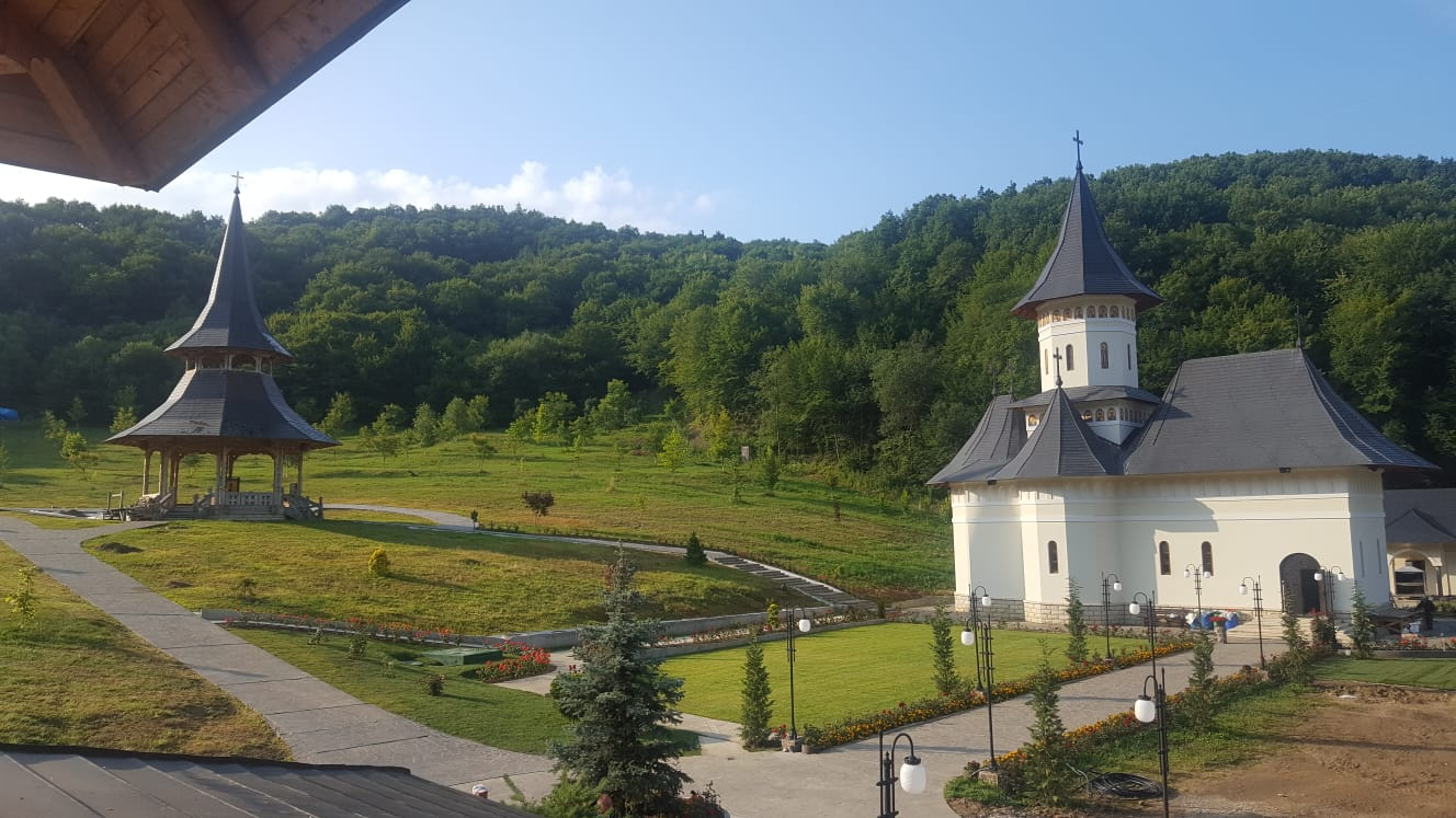 Mii de credincioși sunt așteptați sâmbătă la hramul mănăstirii de la Nușeni