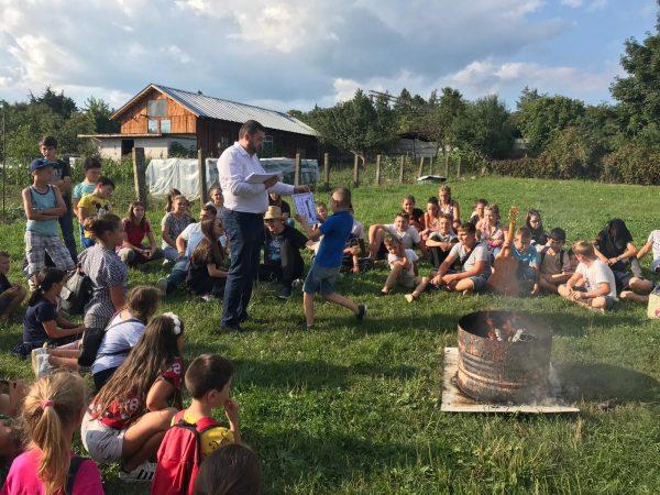 """""""Tabără în inima satului: Satul românesc văzut prin ochii copilăriei"""", în Parohia Șieu"""