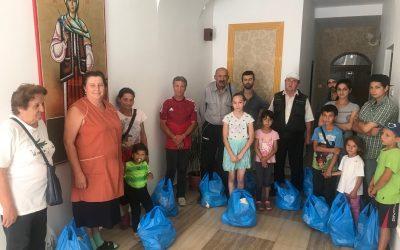 Zeci de bistrițeni au primit pachete în ajunul Adormirii Maicii Domnului