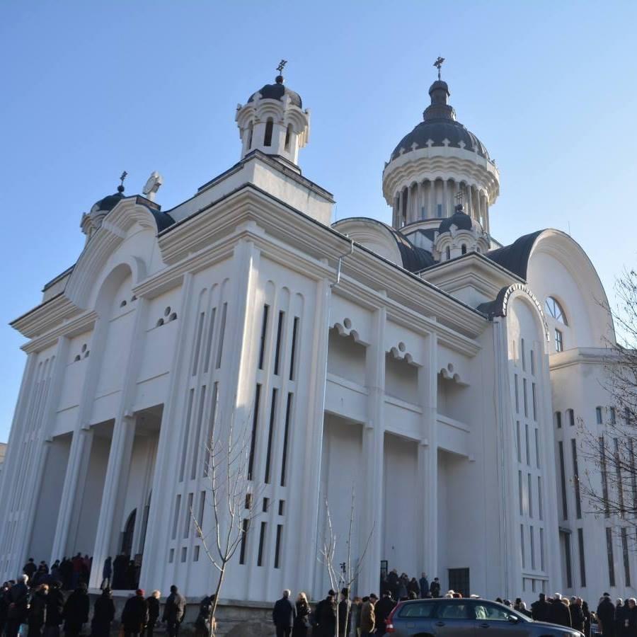 Parohia Sfinții Apostoli Petru și Pavel din Cluj -Napoca sprijină familia îndoliată apreotului Marius Gabriel Bărăscu