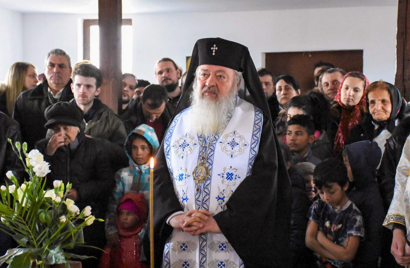 """Mitropolitul Clujului despre romi: """"Sunt frații noștri creștini. Vrem să-i vedem că prosperă spiritual și material."""""""