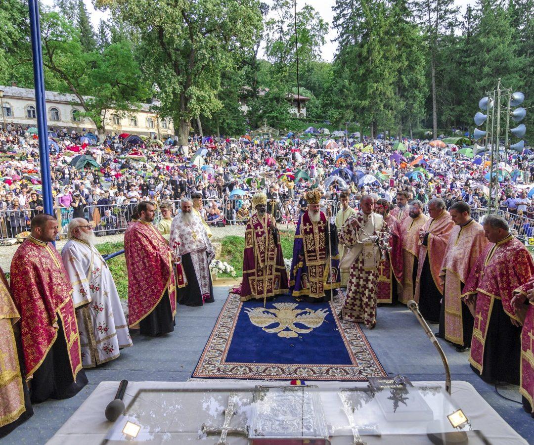 Crucea Transilvană, oferită Mitropolitului Inochentie de Burundi și Rwanda