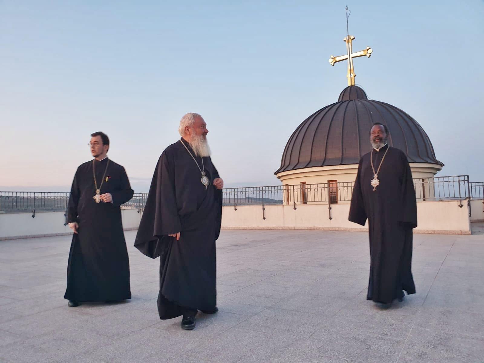 Vizita Părintelui Mitropolit Innocentios continuă în aceste zile în Arhiepiscopia Clujului