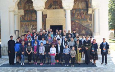 Credincioșii din parohia clujeană Berchieșu, în pelerinaj la mănăstirile din Munții Apuseni