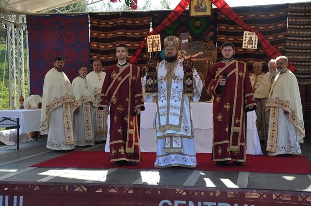 Liturghie Arhierească în Parohia Ceaca