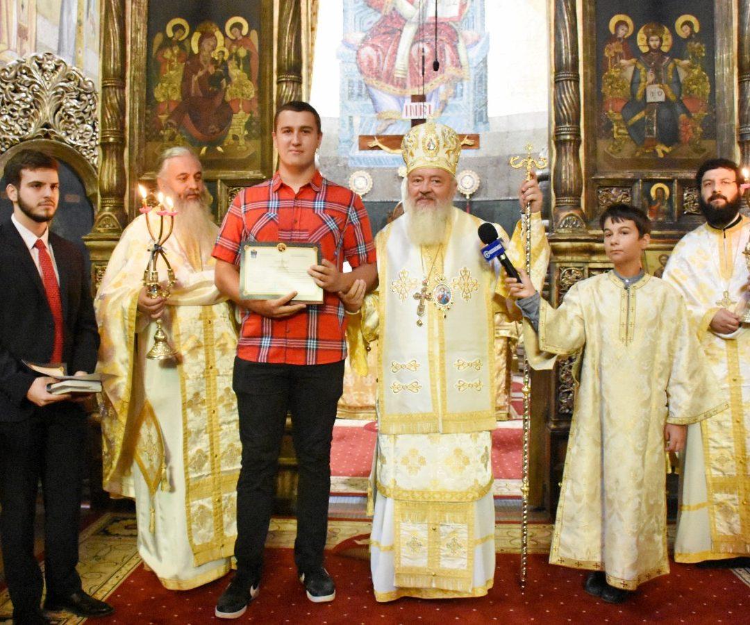 Începutul Anului Nou bisericesc, la Catedrala ortodoxă clujeană. Mitropolitul Andrei a premiat doi campioni mondiali