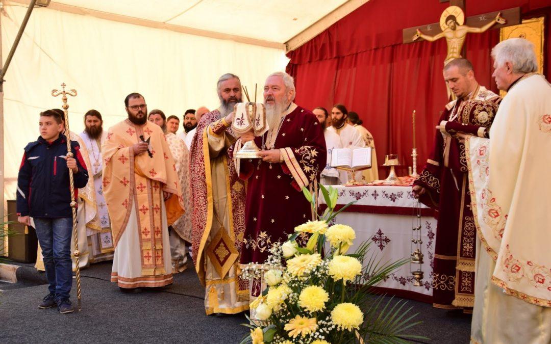 """Mănăstirea """"Petru Rareș"""", de la Ciceu Corabia își sărbătorește luni ocrotitorii"""