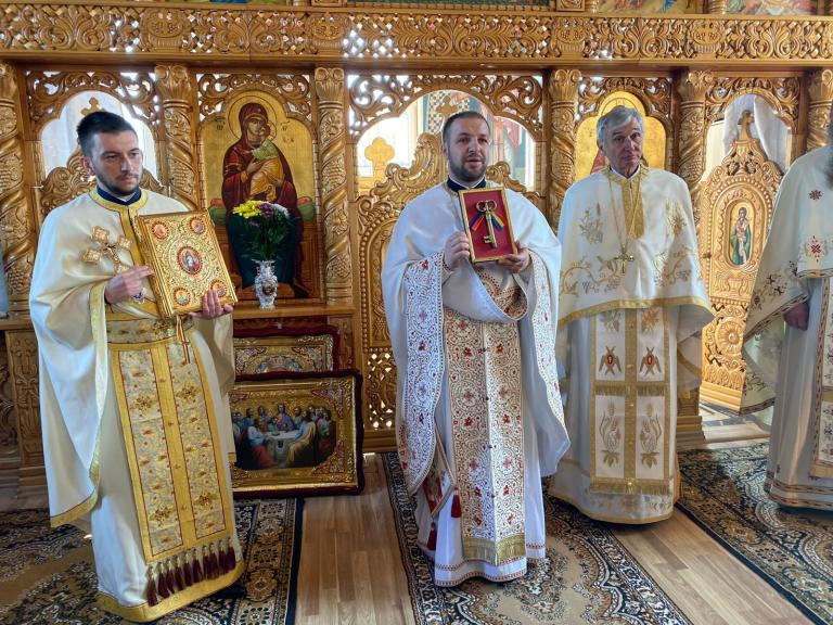 Instalarea noului preot în Parohia Mica din Protopopiatul Dej