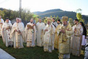 Biserica din Suplai, resfinţită de doi ierarhi ai Bisericii Ortodoxe Române