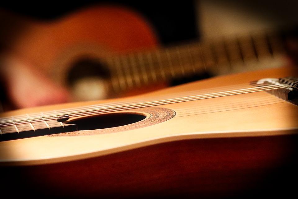 Muzicieni din opt țări, prezenți la Cluj-Napoca, la Zilele Chitaristice Internaționale
