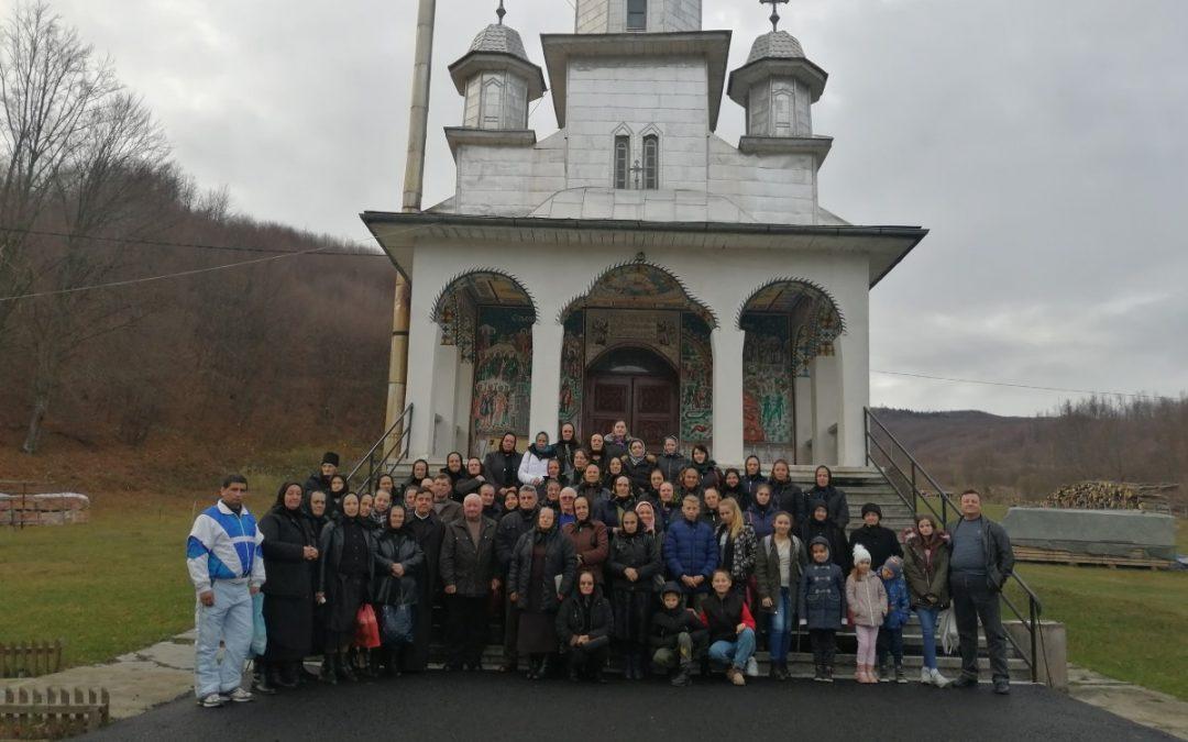 Creștini din Căianu-Mic, în pelerinaj la mănăstirile din Maramureș