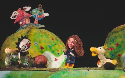 """Sărmanul Johnny și Spiridușul voinic, eroii de pe scena Teatrului """"Puck"""" în weekend"""