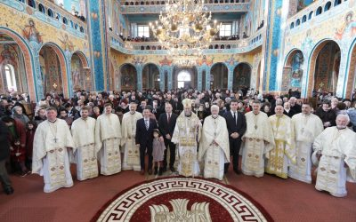 """Liturghie arhierească în Parohia """"Nașterea Domnului"""" din Baia Mare"""