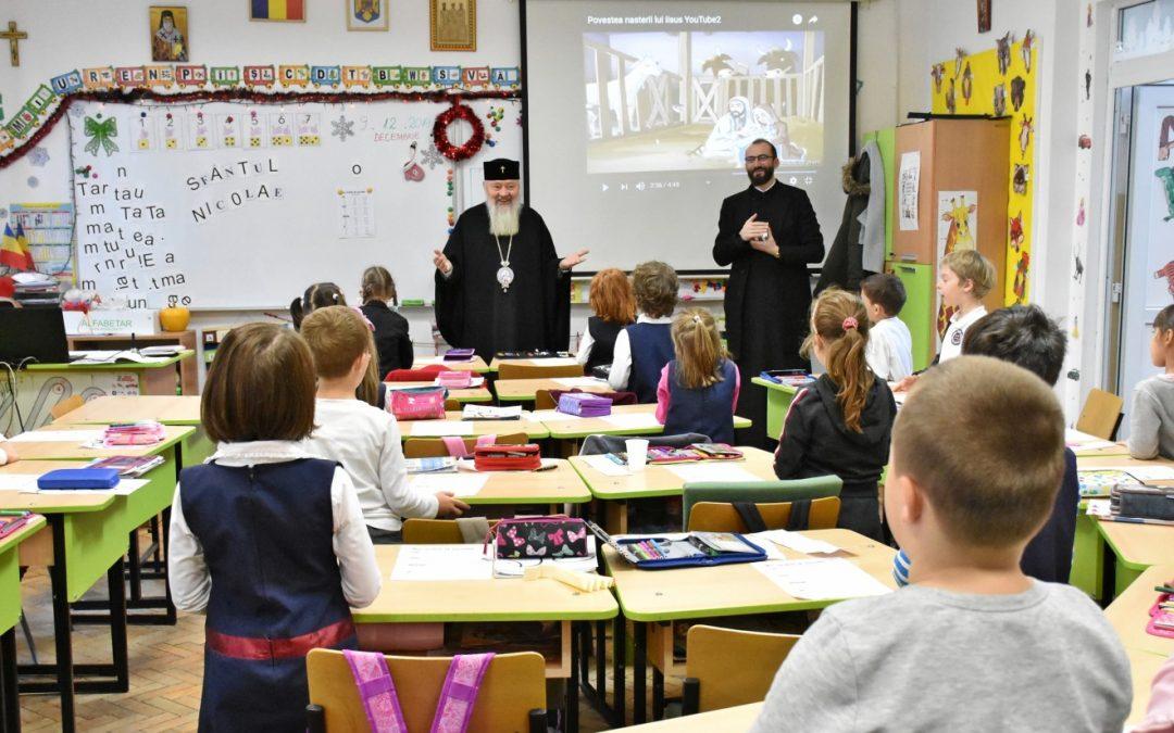Proiectele caritabile ale elevilor de la Seminarul Teologic Ortodox din Cluj-Napoca, răsplătite cu daruri de Mitropolitul Andrei