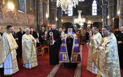 Înaltpreasfințitul Andrei, în mijlocul bistrițenilor, în a doua zi de Crăciun