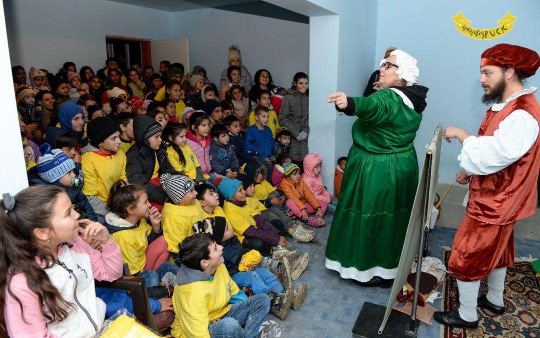 Eveniment caritabil la Cojocna. 130 de copii romi au văzut pentru prima dată un spectacol de teatru de păpuși