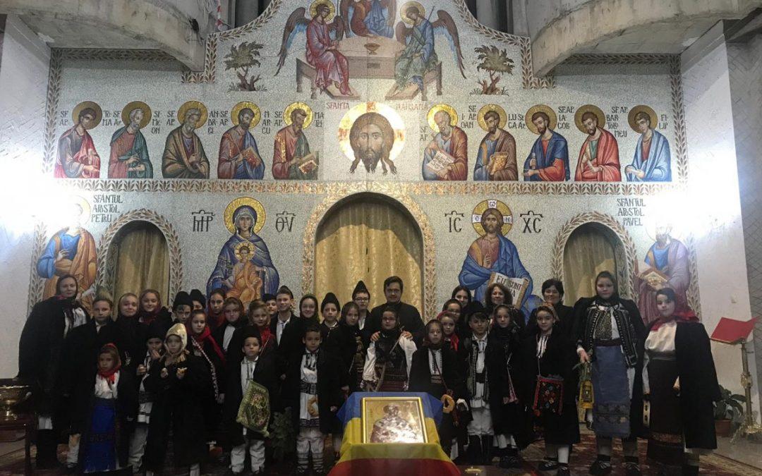 """Concert de colinde susținut de peste 150 de copii, la Parohia """"Sfinții Apostoli Petru și Pavel"""" din Cluj-Napoca"""
