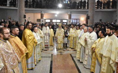 """Binecuvântare arhierească pentru credincioșii Parohiei Gherla III, cu hramurile """"Sfânta Treime"""" și """"Sfinții Martiri Brâncoveni"""""""