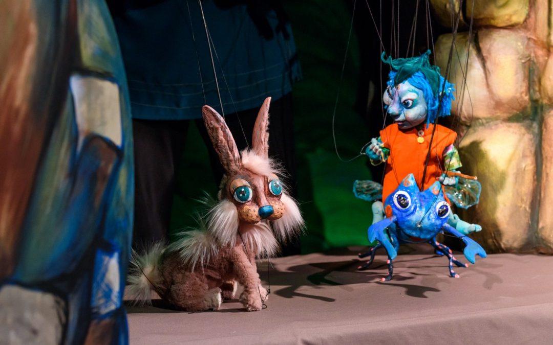 """Două spectacole îndrăgite de cei mici revin la Teatrul """"Puck"""", în weekend"""