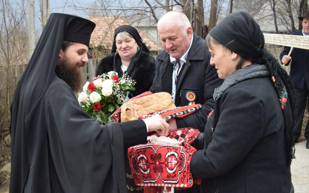 Preasfințitul Benedict Bistrițeanul a oficiat prima Sfântă Liturghie, în calitate de arhiereu, în satul natal Sartăș