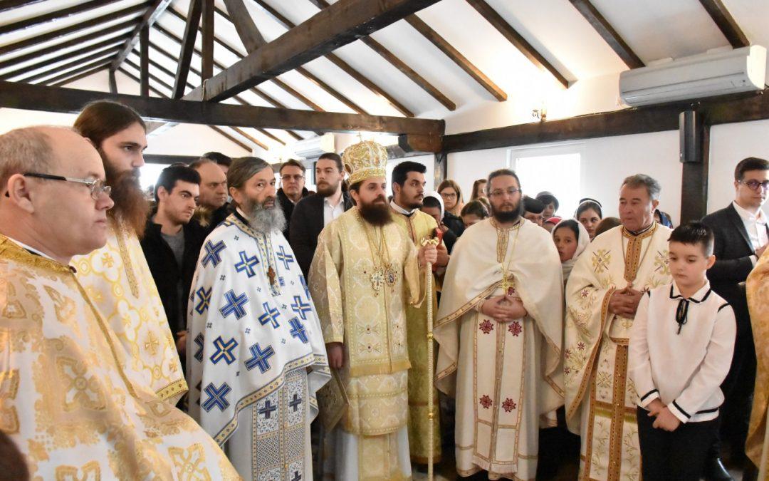 """Hramul Mănăstirii """"Sfinții 40 de Mucenici"""" – Memorialul Gherla, sărbătorit în prezența Episcopului-vicar Benedict Bistrițeanul"""