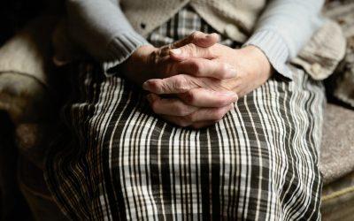Vârstnicii clujeni, bolnavi sau singuri, sprijiniți în această perioadă de Societatea Femeilor Ortodoxe