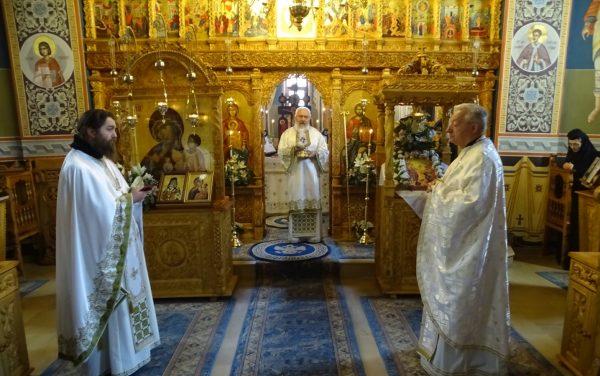 La sărbătoarea Sf. M. Mc. Gheorghe, Mitropolitul Clujului s-a aflat în mijlocul obștii de la Mănăstirea Cormaia