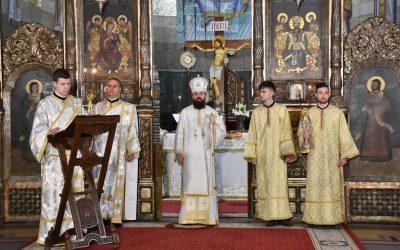 În a doua zi de Paști, PS Benedict Bistrițeanul a liturghisit la Catedrala Mitropolitană din Cluj-Napoca