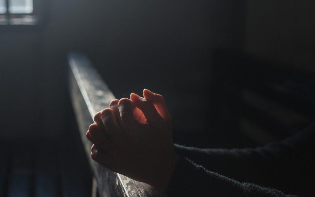 Episcopia Sălajului, în ajutorul celor afectaţi de epidemie prin plata utilităţilor, alimente şi medicamente