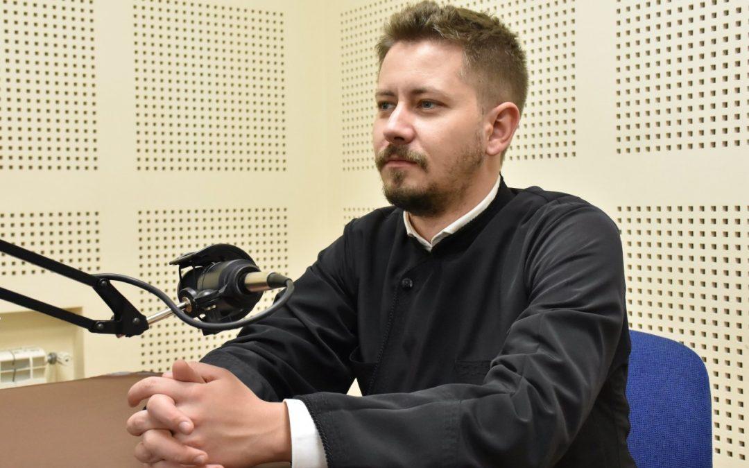 """""""Cu seriozitate și atenție, radio Renașterea a reușit să scurteze distanța dintre oameni și biserică"""" – arhid. Dan Grigore Văscu"""