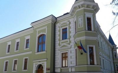 """Biblioteca Județeană """"George Coșbuc"""", redeschisă pentru cititorii bistrițeni"""